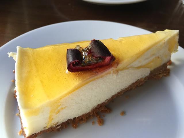 パッションフルーツチーズケーキ